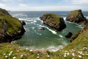 View from the GR 34 trail on the coast between Baie des Trepasses and Pointe du Van, Plogoff, Cap Sizun, Finistere, Atlantic, Brittany, France