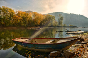 The Rhine in the morning light at the Bacharacher Werth, Bacharach, UNESCO World Heritage Upper Middle Rhine Valley, Rhine Valley, Rhineland-Palatinate, Germany