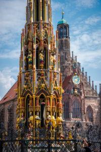Nuremberg, Schöner Brunnen
