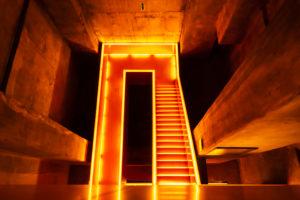Zeche Zollverein, beleuchtetes Treppenhaus