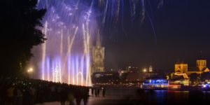 Germany, North Rhine-Westphalia, the Rhine, Cologne, fireworks infront of the Cologne Cathedral, 'Kölner Lichter',