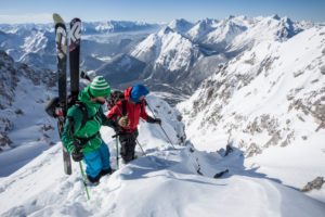 Ski tour on the Lindlahn and Dammkar, near Mittenwald, Karwendel, Bavaria, Germany