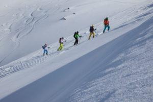 Gruppe bei Skitour im Kühtai, Stubaier Alpen, Tirol, Österreich
