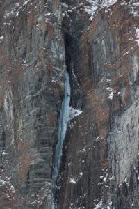 Eisklettern in den Lyngenalpen, Lyngenhalbinsel im Fylke Troms, Norwegen