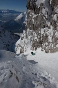 Skitourenabfahrt im Dammkar, bei Mittenwald, Karwendel, Bayern, Deutschland