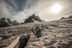 Series on trekking 'des Ecrins', galcier blanc backlit by sun