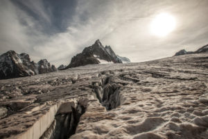 Series on trekking 'des Ecrins', galcier blanc backlit by sun