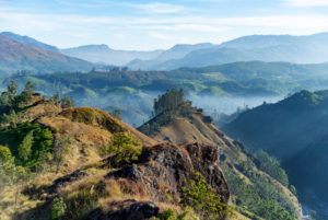 India, Kerala, Munnar, Anamudi Peak, landscape, mountain range, hiking