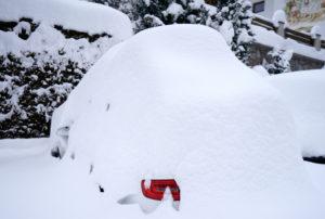 Austria, Tyrol, Stubaital, parked car, snowy, winter