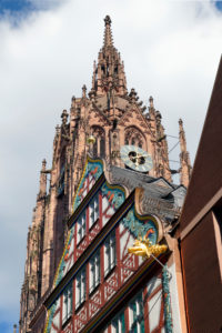 Germany, Hesse, Frankfurt am Main, St. Bartholomew's Cathedral, half-timbered House of the Golden Scales