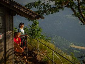 Wandern auf dem Zweitälersteig, Rast an der Thomashütte, Kandel
