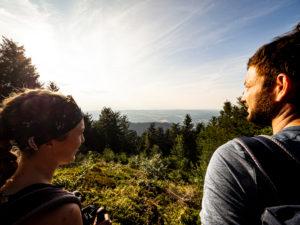 Wandern auf dem Zweitälersteig, Braunhörnle mit Blick ins Elztal
