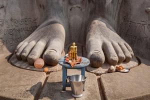 Detail der Hinduistischen Statue von Gommateshvara, Wallfahrtsort Bahubali, Sravana Belgola, Hassan Distrikt, Bundesstaat Karnataka, Indien