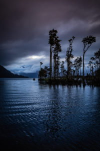 Sonnenuntergang am Ufer des Lake Brunner, Südinsel Neuseeland
