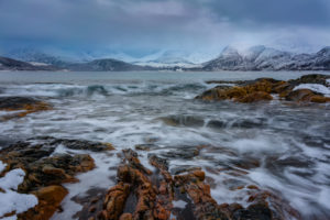 Europa, Norwegen, Troms, Tromvik, raue Küste