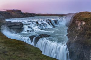 Europa, Island, Südisland, Gulfoss im Abendlicht