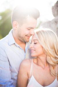 junges Paar, glücklich, verliebt, lächeln, Porträt, außen