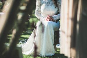 Junge Braut im Freien, Detail