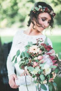 Junge Braut, Halbportrait