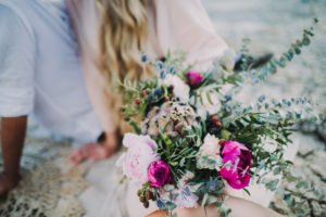 Couple, in love, bouquet, detail,