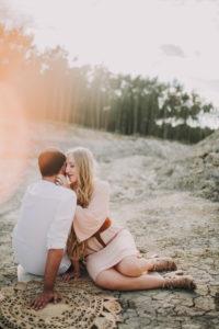 Paar, verliebt, Schlucht, sitzen,