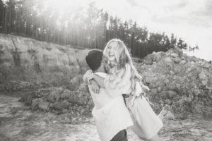 Couple, in love, hug, canyon,