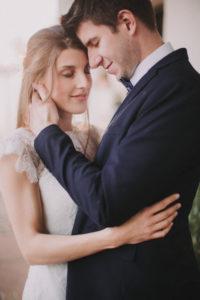 Brautpaar, verliebt, Umarmung, stehen, Detail,