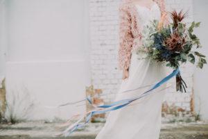 Braut, stehen, Blumenstrauß, Detail,