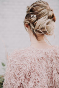 Bride, detail, back view,