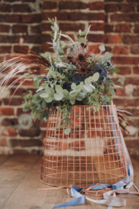 Korb, Blumenstrauß,