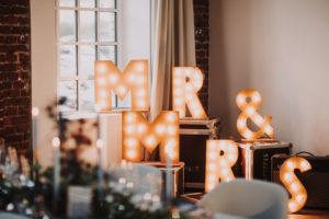 Hochzeitsdekoration, Buchstaben, MR & MRS, leuchten
