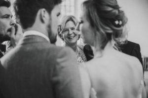 Hochzeit, Brautpaar, Gäste, fröhlich,
