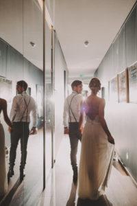 Brautpaar, Gang, gehen, Rückenansicht,