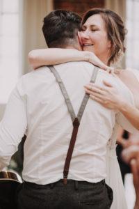Braut, Umarmung, Mann, Glückwünsche,