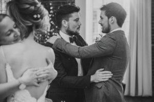 Hochzeit, Brautpaar, Gäste, Gratulation,