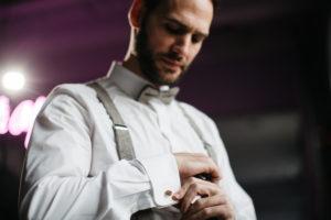 Groom, getting dressed, detail,