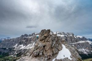 Grödner Joch, Provinz Bozen, Südtirol, Italien. Unterwegs am Klettersteig zur Kleinen Cirspitze