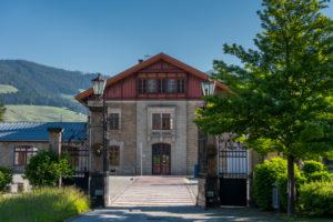 Toblach, Südtirol, Provinz Bozen, Italien. Der  Bahnhof Toblach