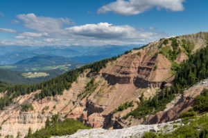 Aldein, Provinz Bozen, Südtirol, Italien. Geoparc Bletterbach. Blick in die Gorz, dem Talende der Bletterbachschlucht