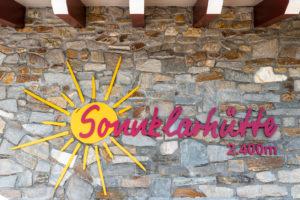 Sand in Taufers, Provinz Bozen, Südtirol, Italien. Die Sonnklarhütte im Wandergebiet Speikboden.