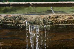Brunnen, Alm, frisches Wasser