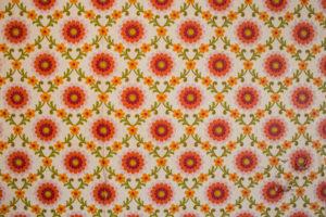 alte Tapete mit Blumenmuster, Vintage,