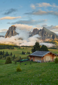 Langkofel, Almhütte, Seiser Alm, Südtirol, Italien