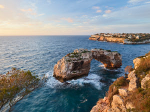 Es Pontàs rock arch near Santanyi, Mallorca, Balearic Islands, Spain