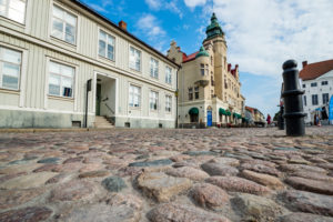 Auf dem Marktplatz von Kalmar, tiefe Perspektive