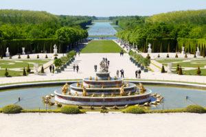 Frankreich, Schloss Versailles, Schlosspark, Brunnen, Touristen