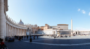 Italy, Rome, St. Peter's Square, colonnades, St. Peter's Basilica