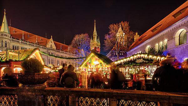 Weihnachtsmarkt, blaue Stunde, Nacht, Braunschweig, Niedersachsen, Deutschland, Europa