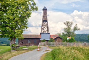 Luitpoldsprudel, Bohrbrunnen, Bohrturm, Großenbrach, Franken, Bayern, Deutschland, Europa