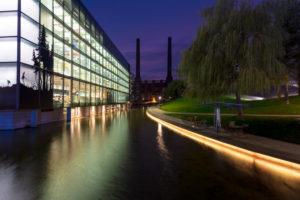 Autostadt, VW Werk, Architektur, Abend, Wolfsburg, Niedersachsen, Deutschland, Europa